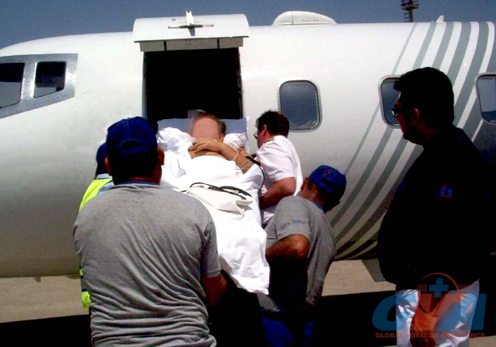 Медицинская эвакуация пациента санитарной авиацией в сопрвождении медицинского персонала GVA